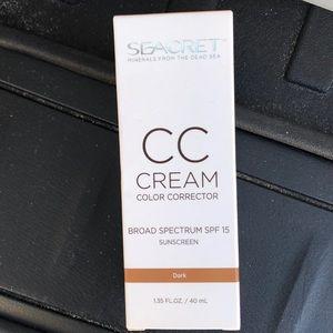 Cc cream dark